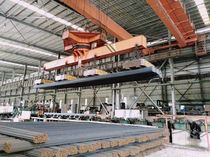 Rotating Magnet Spreader Electromagnet Bridge Crane for Rebar Lifting