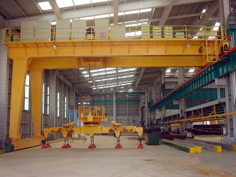 Tons double girder magnets overhead crane in steel plant