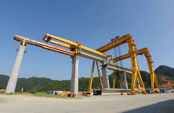 900T Bridge Construction Gantry Cranes