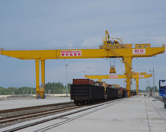 Distinctive use characteristics of container gantry crane