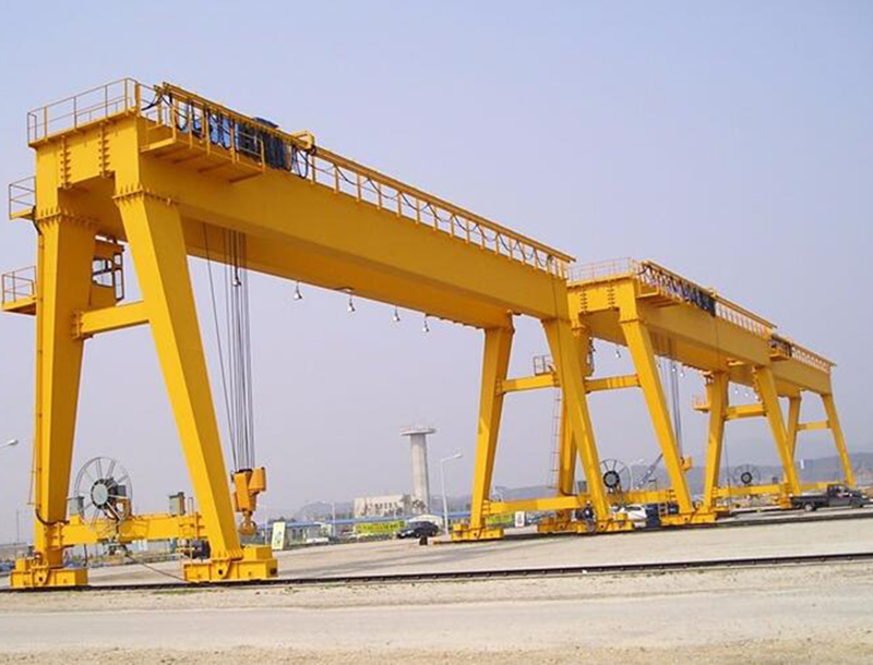 Construction gantry crane.jpg