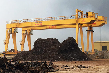 Steel-crap-yard-gantry-crane4.jpg